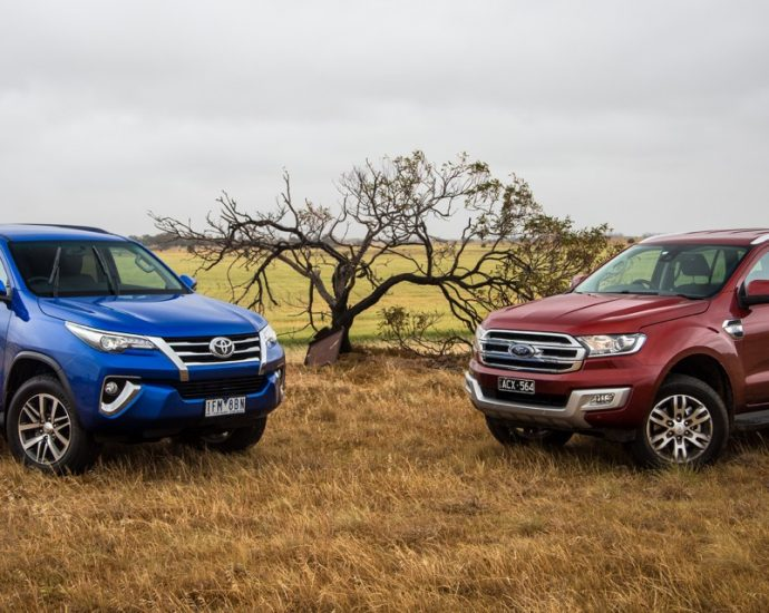 Ford Endeavour Sport Vs Toyota Fortuner
